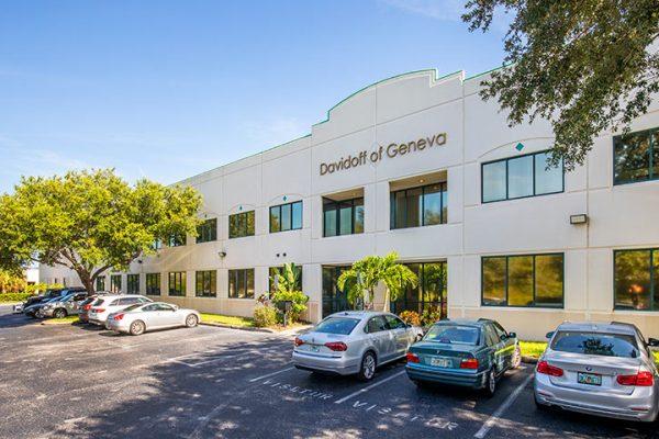 Exterior of 3001 Gateway Center Parkway in Pinellas Park, FL